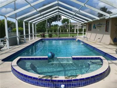Cape Coral Single Family Home For Sale: 628 SE 21st St