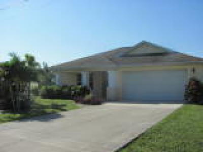 Fort Myers Single Family Home For Sale: 206 Mossrosse Street