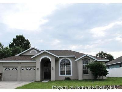 Spring Hill Single Family Home Active - Under Contract: 5078 Breakwater Boulevard