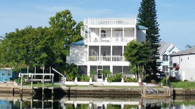 Hudson Single Family Home For Sale: 6637 Harbor