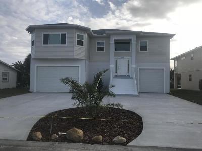 Hernando Beach Single Family Home For Sale: 4498 Jacona
