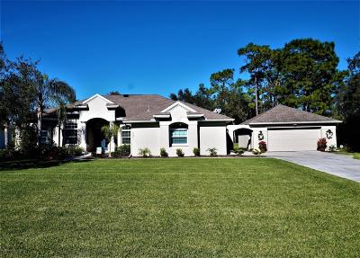 Weeki Wachee Single Family Home For Sale: 10221 Feather Ridge Drive