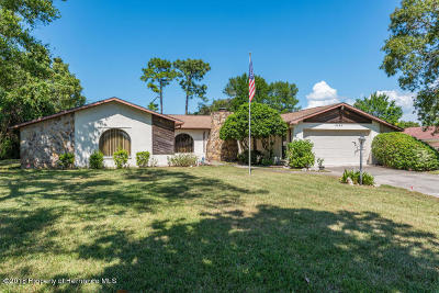 Weeki Wachee Single Family Home For Sale: 8448 Delaware Drive