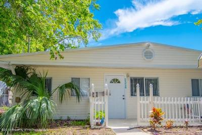 Weeki Wachee Single Family Home For Sale: 5314 Ray Drive