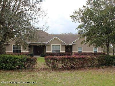 Weeki Wachee Single Family Home For Sale: 10193 Maybird Avenue