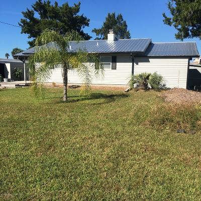 Hernando Beach Single Family Home For Sale: 5007 Cedarbrook