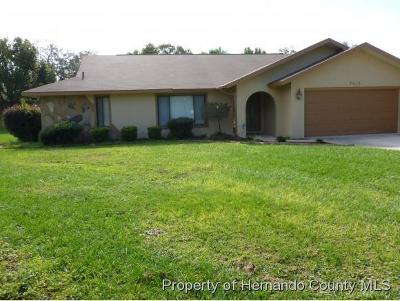 Weeki Wachee Single Family Home For Sale: 7512 River Country Drive