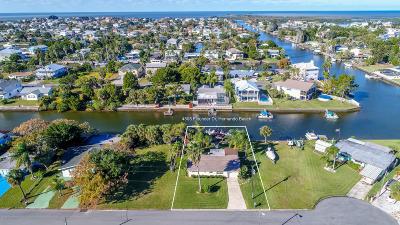 Hernando Beach Single Family Home Active - Under Contract: 4505 Flounder Drive