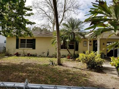 Weeki Wachee Single Family Home For Sale: 8125 River Point Drive
