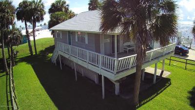 Weeki Wachee Single Family Home For Sale: 3432 Sandcastle Lane