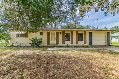 Spring Hill FL Single Family Home For Sale: $135,000