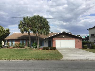 Hernando Beach Single Family Home For Sale: 4294 Paradise Circle
