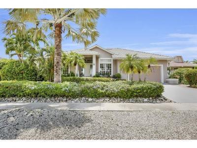 Marco Island Single Family Home For Sale: 1111 Twin Oak Ct #7