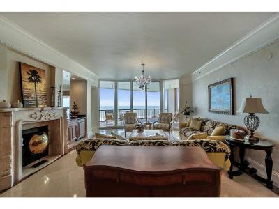 Marco Island Condo/Townhouse For Sale: 940 Cape Marco Dr #506