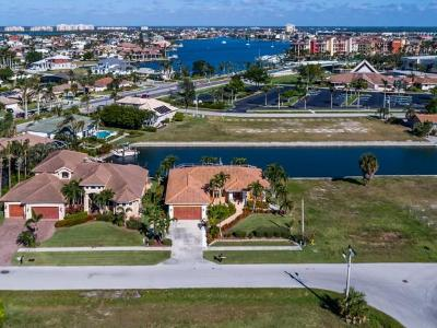 Marco Island Single Family Home For Sale: 756 Milan Ct #6