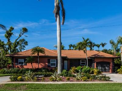 Marco Island Single Family Home For Sale: 146 Greenbrier St #6