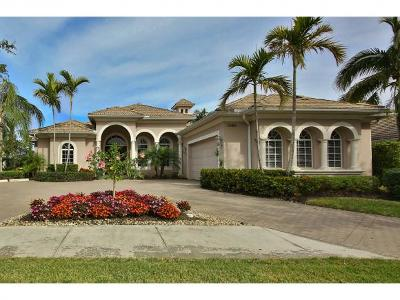 Naples Single Family Home For Sale: 7686 Mulberry Ln