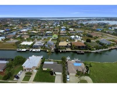 Marco Island Single Family Home For Sale: 451 Barcelona Ct #8
