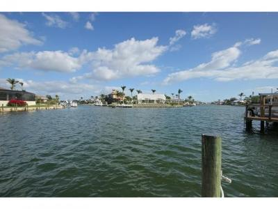 Marco Island Single Family Home For Sale: 61 Hickory Ct #7