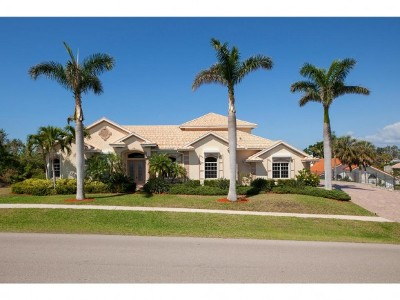 Marco Island Single Family Home For Sale: 640 Inlet Dr #9
