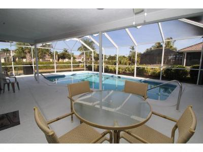 Marco Island Single Family Home For Sale: 1610 Collingswood Ct #9