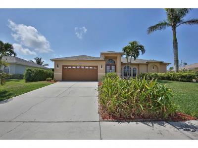 Marco Island Single Family Home For Sale: 1477 Bermuda Rd #1477