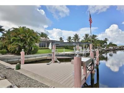 Marco Island Single Family Home For Sale: 748 N Barfield Dr #4