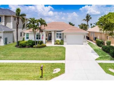 Marco Island Single Family Home For Sale: 131 Bonita Ct #6