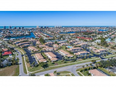 Marco Island Condo/Townhouse For Sale: 105 Clyburn St #1