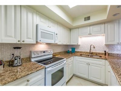 Marco Island Condo/Townhouse For Sale: 112 Clyburn St #4