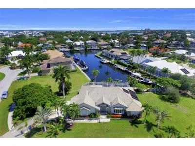 Marco Island Single Family Home For Sale: 370 Cottage Ct #12