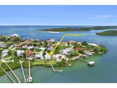 Naples Single Family Home For Sale: 74 Dolphin Cir #74