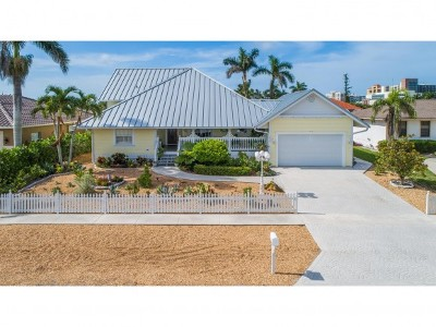 Marco Island Single Family Home For Sale: 917 Arawak Ave #7