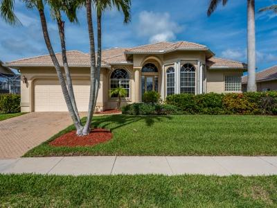 Marco Island Single Family Home For Sale: 400 Waterleaf Ct #6