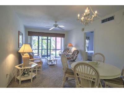 Mariner Apts Marco Island Condo/Townhouse For Sale: 20 Greenbrier St #3-106