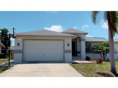 Marco Island Single Family Home For Sale: 224 Bermuda Rd #1