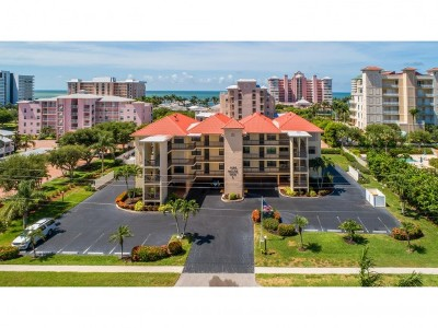 Marco Island Condo/Townhouse For Sale: 1000 Swallow Ave #8
