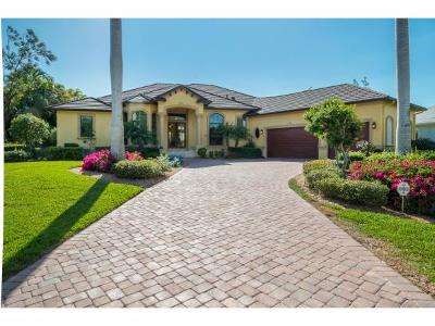 Marco Island Single Family Home For Sale: 900 Scott Dr #13