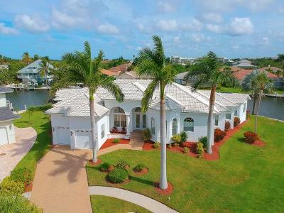Marco Island Single Family Home For Sale: 305 Henderson Ct #1