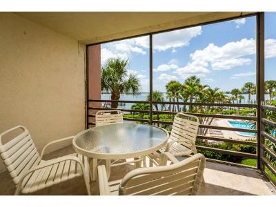Marco Island Condo/Townhouse For Sale: 1085 Bald Eagle Dr #306