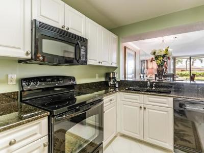 Marco Island Condo/Townhouse For Sale: 591 Seaview Ct #103