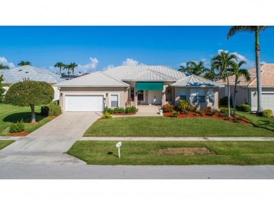 Marco Island Single Family Home For Sale: 130 Leeward Ct #3