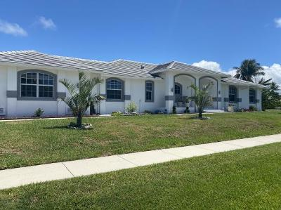 Marco Island Single Family Home For Sale: 101 Greenview St #3