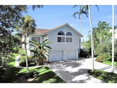 Hideaway Beach Single Family Home For Sale: 361 Wild Coffee Ln