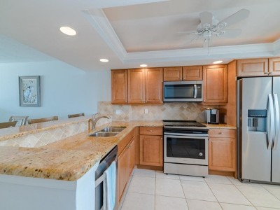 Marco Island Condo/Townhouse For Sale: 260 Seaview Ct #1002