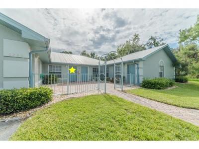 Naples Condo/Townhouse For Sale: 6260 Vista Garden Way #C