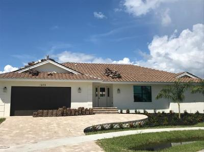 Marco Island Single Family Home For Sale: 1670 Almeria Ct #8