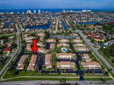 Marco Island Condo/Townhouse For Sale: 115 Clyburn St #6