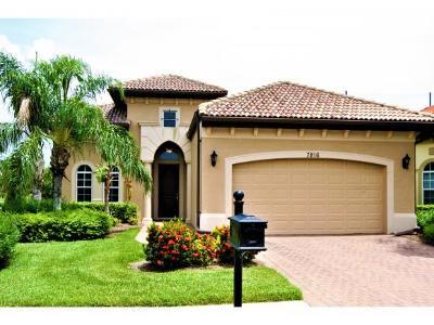 Naples Single Family Home For Sale: 7816 Valencia Ct
