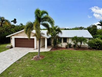 Marco Island Single Family Home For Sale: 710 Kendall Dr #12